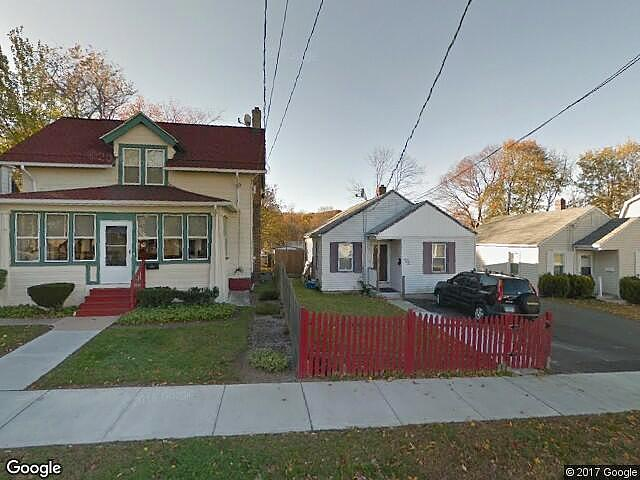 Single Family Home Home in New haven