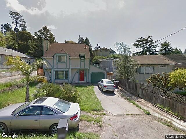 Single Family Home Home in Hayward