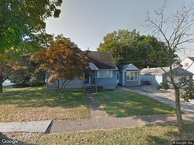 Single Family Home Home in Woodbury