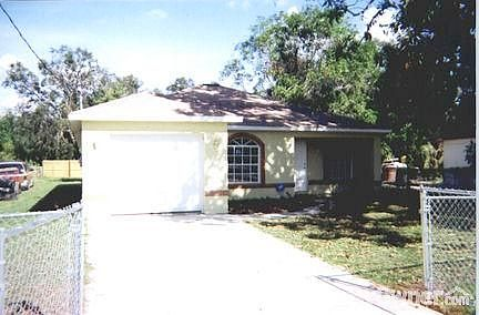 Single Family Home Home in Fort myers