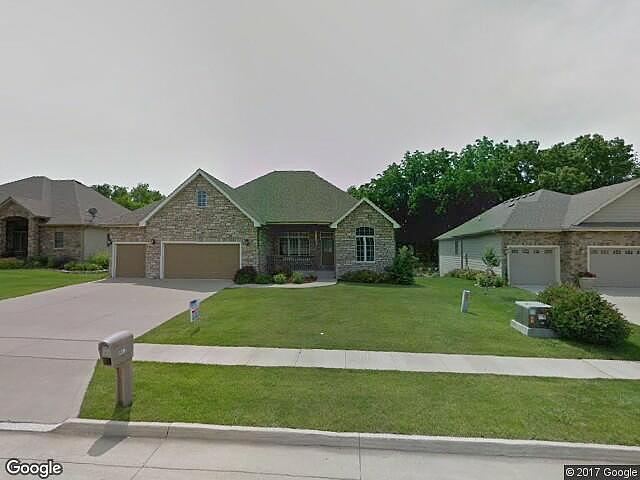 Single Family Home Home in Des moines