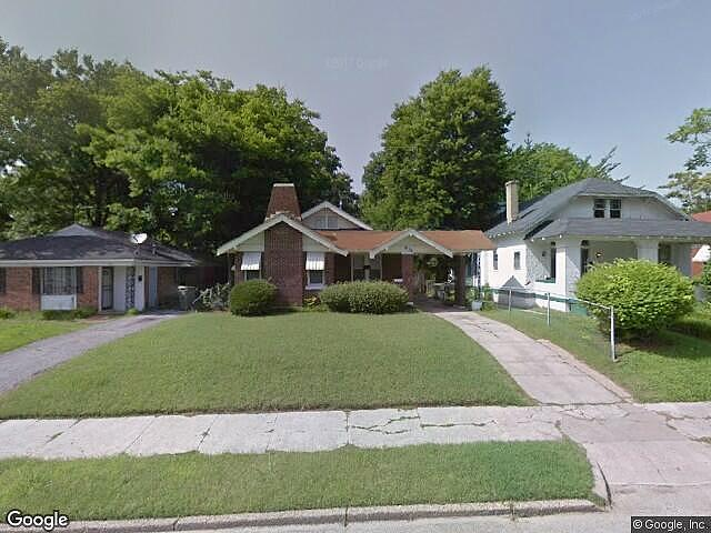 Single Family Home Home in Memphis