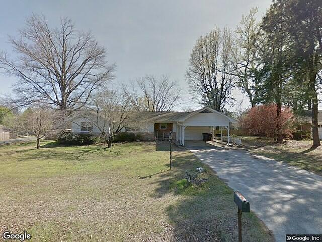 Single Family Home Home in Fort smith