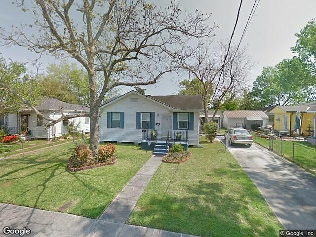 Single Family Home Home in Harahan