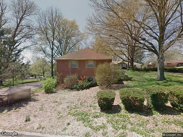 Single Family Home Home in Columbia