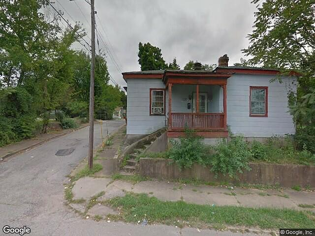 Single Family Home Home in Petersburg