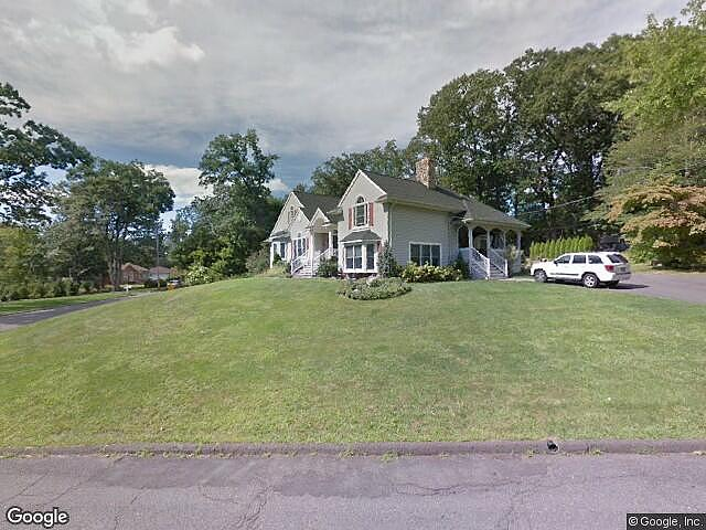 Single Family Home Home in North haledon